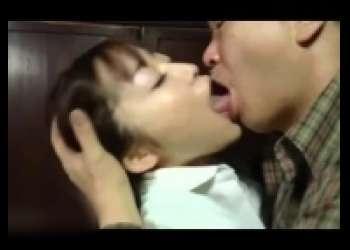 篠田ゆう・巨乳熟女ベロチュー、突かれてイヤらしく喘ぐ三十路巨乳おばさんヘンリー塚本