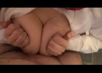 【個人撮影】乳圧でチンポが幸せになる巨乳JKによる本気パイズリでおっぱいの中で果てる!