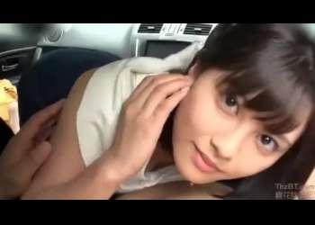 【松岡ちな】めちゃカワ巨乳彼女は旅行で旅館に行く前に車内で手コキをしながら抜いてくれる!