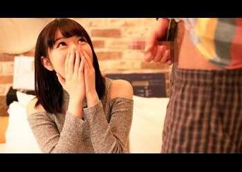 【浅田結梨】密室でオナニー観察…だけのはずが、愛液にまみれた肉体を激しくぶつけ合う!