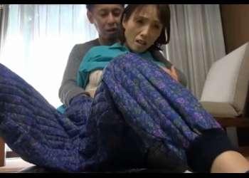 """[隅田涼子] 寝具モニターとか""""いかにも""""な怪しいネタで地方で熟女ゲットしてジュクジュク中です"""
