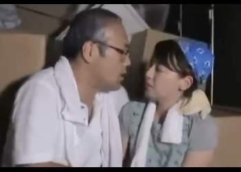 [ながえスタイル] 心寂しい夫の上司は引越し荷台の揺れに合わせて部下の嫁とハマる**