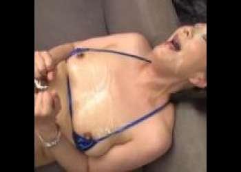 【ぶっかけ】エロ熟女にザーメンシャワー!顔射をねだる四十路痴女とのセックスがエロい!!円城ひとみチャンがんばるねえ!!