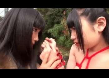 <レズ><調教>変態の巨乳お姉さんに縛られ調教されるロリ少女は徐々にお姉さんの従順な性ペットとなっていく。。。