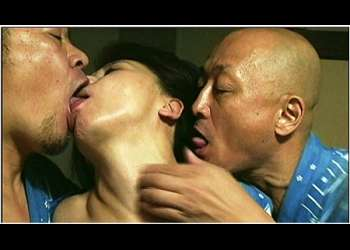 【ヘンリー塚本】これは危ない夫婦交換の妻が狂う部屋です!年の差夫婦が若い男たちとヤリまくりです!