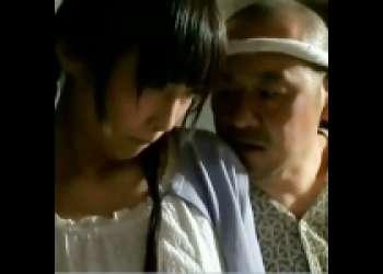 [管野しずか×小沢とおる]美少女が山のトイレでオナニー⇒隣の中年に見つかりわんわんSEX an07