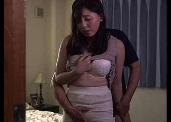 ●ながえスタイル●「主人のより大きいです!」激しい性行為でオメコをビクビクさせパコってHな分泌液がだだ漏れやらしい女をハメる◎