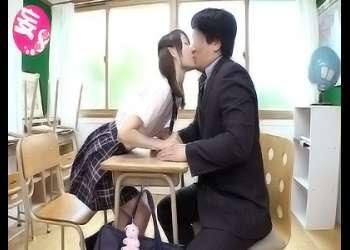 ☆ロリ☆『抱いてください♡』ヤラシイあそこに濃厚オチンポミルク(せいえき)を思い切り大量中出し!きもちよさにエクスタシー!膣で精子を味わう顔をさらけ出す。