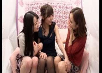 【友達同士なら怖くない】女子3人も集まれば普通の娘もドスケベに!おっぱい揉み揉み欲情させていっぱいエロいことやっちゃう
