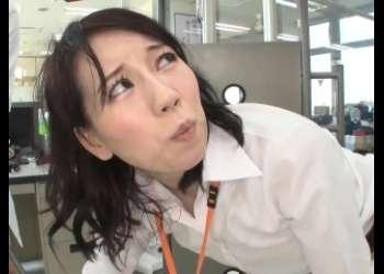 【SOD女子社員】科学ラボの調査!イキまくりでお漏らししちゃうOLの拘束電マプレイ