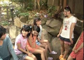 【筆おろし】地元の女子小学生が利用してる田舎の露天風呂に童貞がフル勃起で突入した結果…