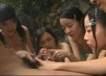 『チンチン触りた~い!』童貞卒業のチャンス…地元のJSが集まる田舎の露天風呂に突撃した結果