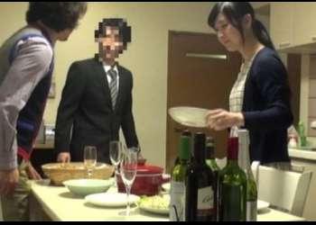 【NTR盗撮】『他の男のチンポで喘ぐ妻が見たい…』AV男優を仕事先の先輩として妻に紹介。股を開かせた一部始終を隠し撮り