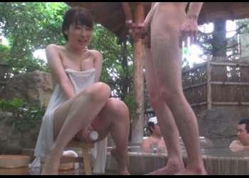 【素人】『始めまして、一緒にオナニーしませんか?』温泉旅行中の女子大生が賞金をかけて男湯で相互オナニーに挑戦した結果w