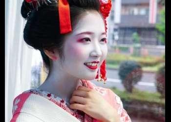 【マジックミラー号】浅草の芸妓(23歳)さん、野球拳対決で全裸にひん剥かれてハメられてしまうwwww