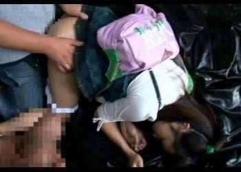 【閲覧注意】スタンガンを使ってJS少女の幼マンコを強引に犯した鬼畜レイプ映像