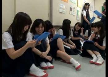【羞恥】お嬢様中学校で年に一回、定期的に行われてる処女膜検診の実態