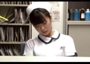 【初美沙希】夜勤中につい居眠りした美人看護師さんが手術室で強姦される!