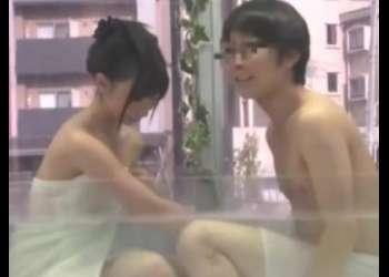 【MM号】細身なナイスバディJDが友人男とMM号混浴で欲情させられハメすぎ感じすぎ