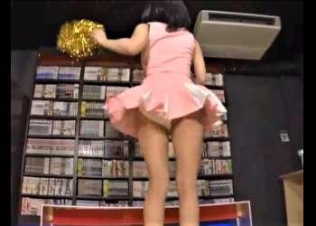 【フェチ】【チアガール】【チラリズム】美少女チアがこちらに向かってパンチラしながら踊りオナサポしてくれる。