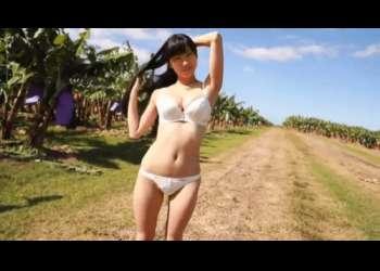 91センチHカップの黒髪ロングヘアー秋田美人が過激にイメージビデオに挑戦[桐谷まつり]